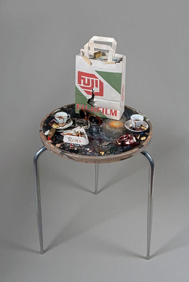 Bertozzi & Casoni, Tavolino Roma, 2018, ceramica policroma, 102x50x50 cm