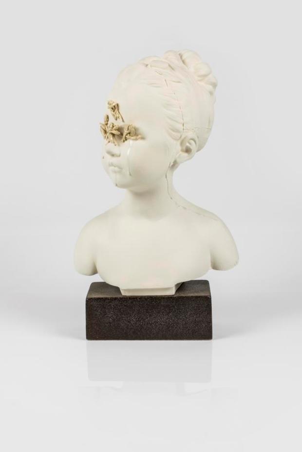 LINA, gres e smalto, 38 x 22 x 10 cm (2018). M.Luccioli e N.Torres