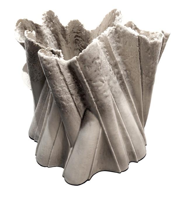 Perimetro Scultoreo- 2017 cm50x42x48 porcellana invetriata